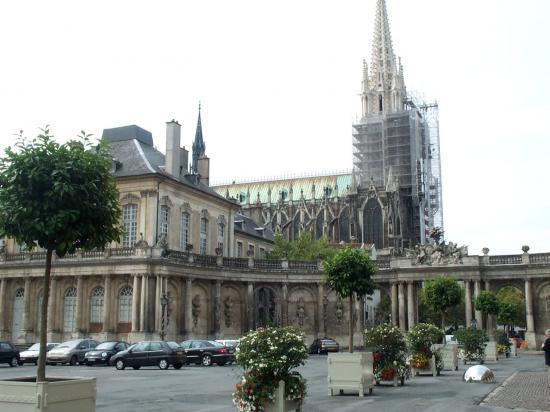 La basilique Saint-Epvre