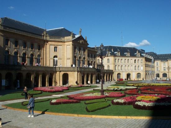 L'Opéra-théâtre, la place de la Comédie