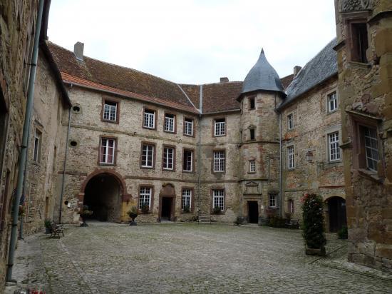 Cour intérieure et tours