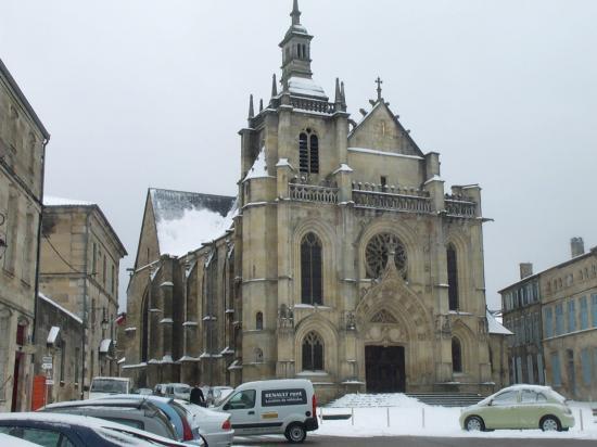 Collégiale Saint-Etienne