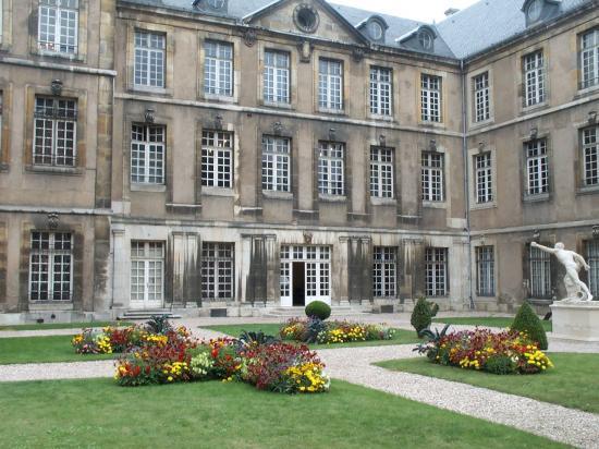 Le Palais ducal, la cour intérieure